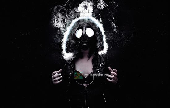 Фото Дымящиеся девушка в противогазе